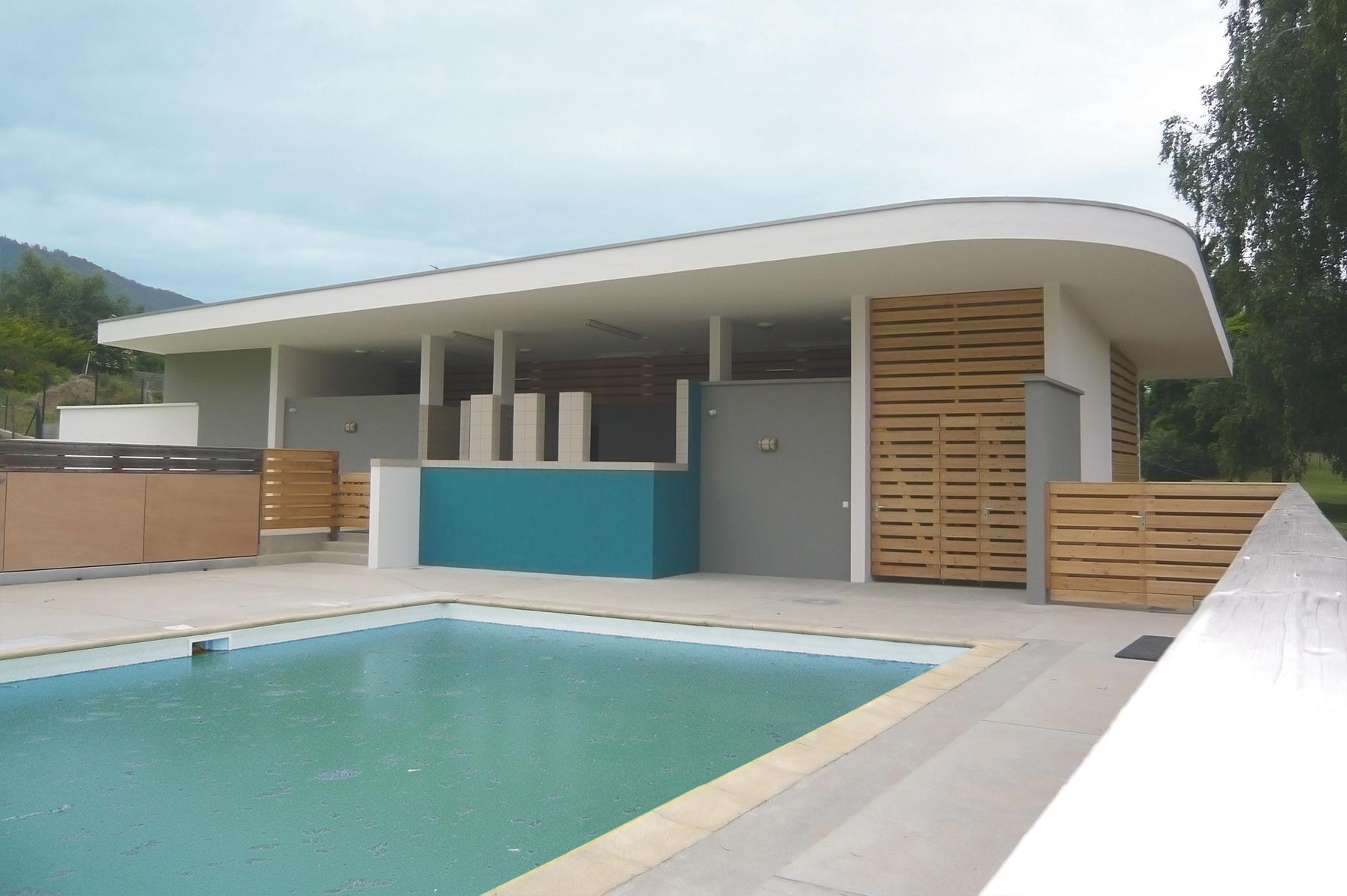 Vestiaires de piscine à Cranves-sales | Architecte: Nelly GUYOT